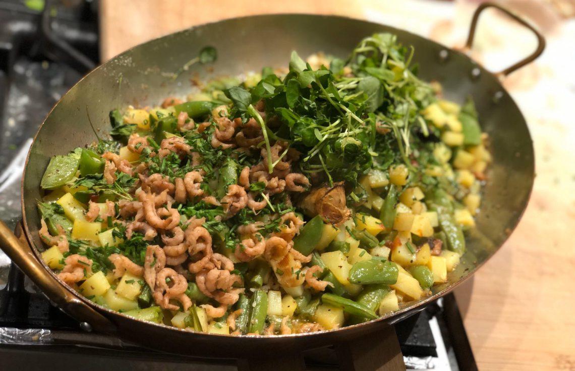 Gebakken zeetong met boontjes, aardappelen & garnaaltjes